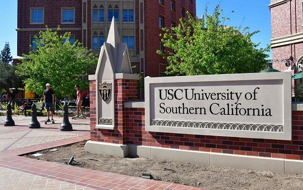Schools that accept online law students- Southern California university