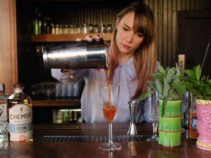 bartender-job-description-duties-responsibilities