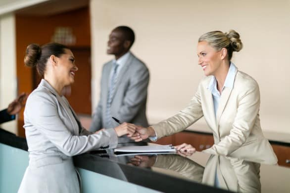 hotel-receptionist-job-description-guide