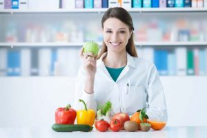 what-is-the-job-description-duties-and-responsibilities-of-a-nutritionist-with-salary