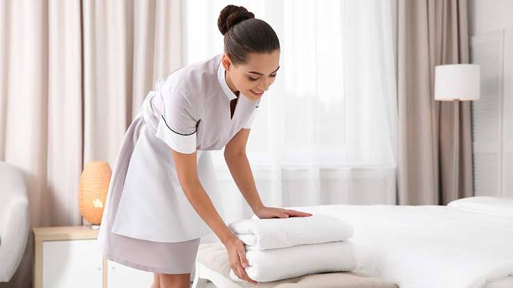 What is the Job Description of a Housekeeper?