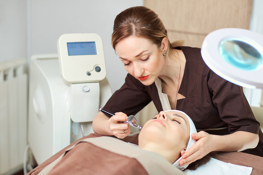 what-is-the-job-description-duties-and-responsibilities-of-a-dermatologist