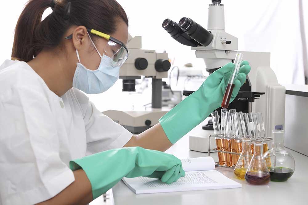 What is the Job Description of a Lab Technician?
