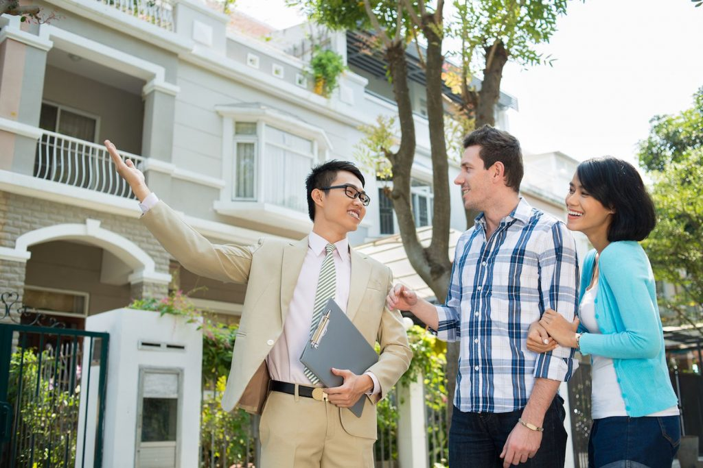 What is the Job Description of a Real Estate Agent?