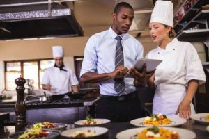 what is the job description duties and responsibilities of a restaurant manager