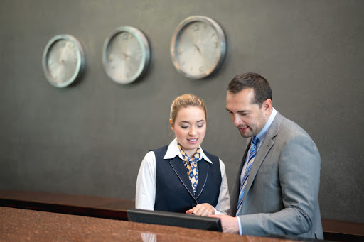What is the Job Description of a Hotel Manager?
